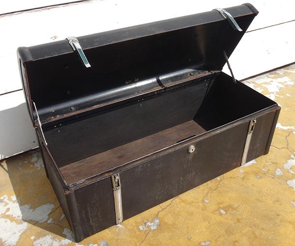metalboxblk23.jpg