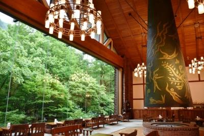 奥入瀬渓流ホテルラウンジ森の神話