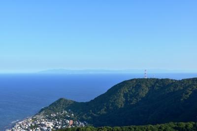 函館山から下北半島を望む