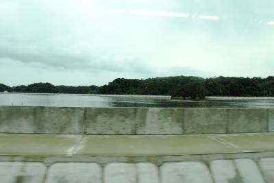 松島湾と防潮堤