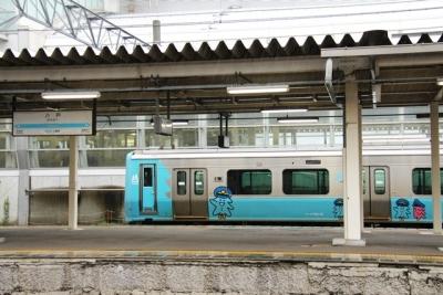 青い森鉄道703系ピンクのモーリー