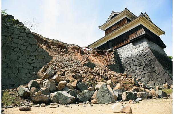 大地震で崩れた熊本城石垣jpg