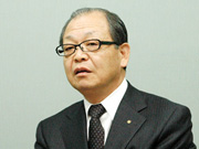中央カレッジグループの 中島利郎代表理事長