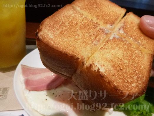 厚切りトーストのモーニングセット019