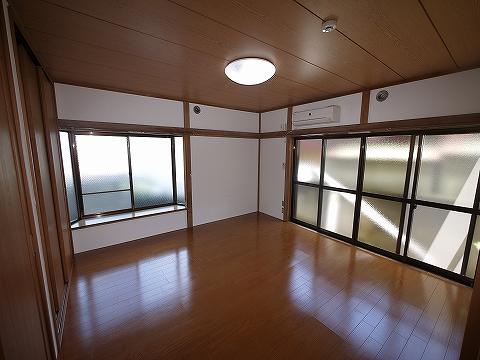 平成ハイツ102洋室