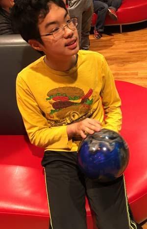 bowling12101601.jpg