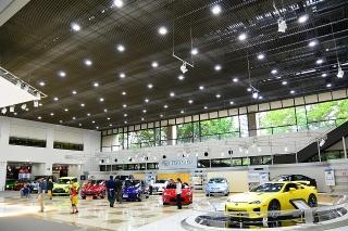 トヨタ会館 新車ショールーム