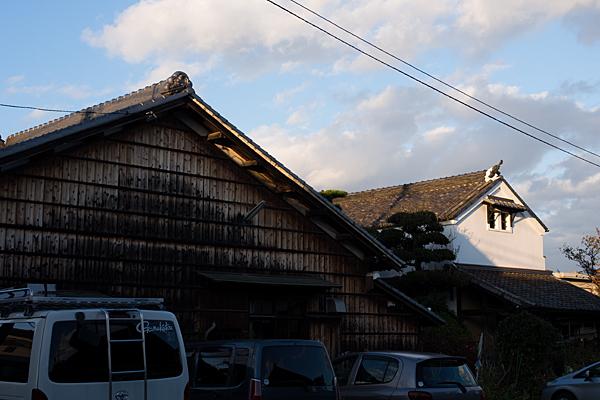 古い家屋と土蔵