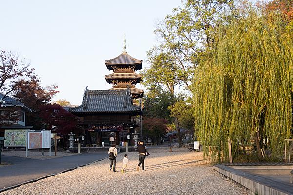 興正寺参道風景