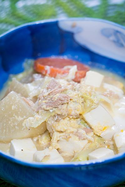 豆腐とダイコンのスープ