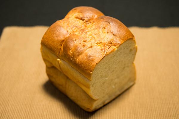 大須ベーカリー食パン