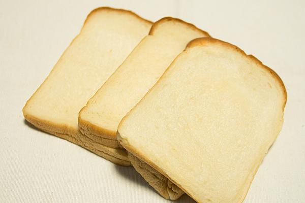 アンジュールもちもち食パン