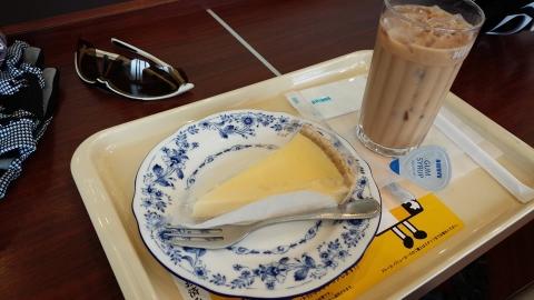 三浦海岸の前のEXPRESSドトールでお茶(笑)。