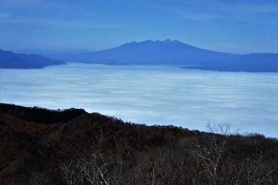 16-11-20蛾ヶ岳1