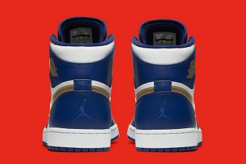 Air-Jordan-1-Retro-High-Olympic-4-700x468.jpg