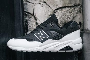 NEW-BALANCE-580-DECONSTRUCTED-BLACK-WHITE-4-700x468.jpg