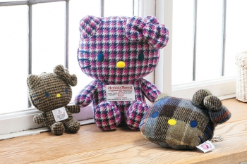 hellokitty_harristweed2.jpg
