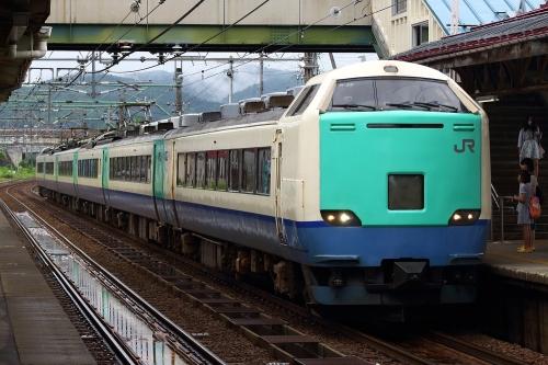 485系信越線快速 来迎寺駅