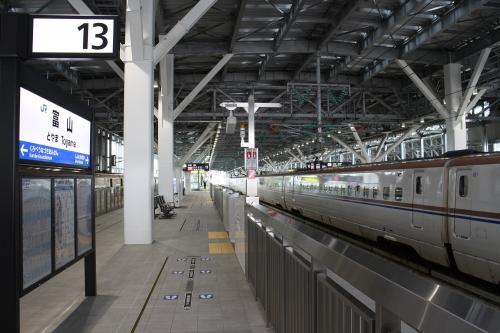 富山駅新幹線ホーム