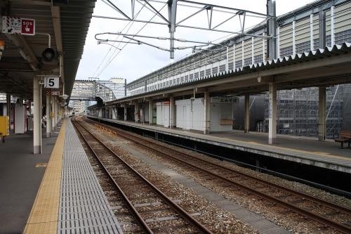富山駅 あいの風とやま鉄道・高山線地上ホーム