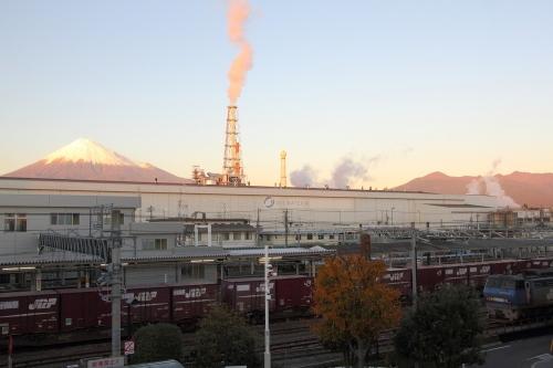 EF200-17 富士駅