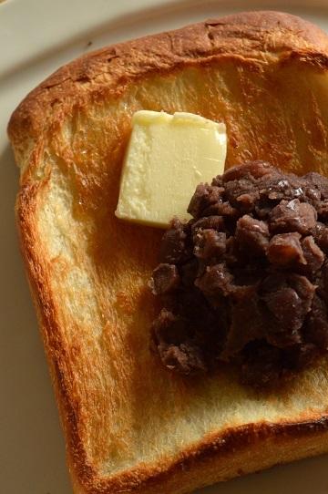 キタノカオリ&春よ恋の中時間発行食パンで、「あんばたートースト」