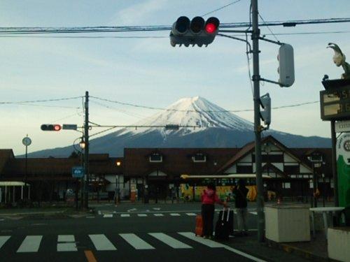 01河口湖駅富士山