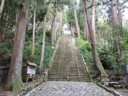 2久遠寺石段