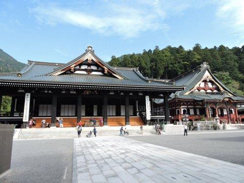 3久遠寺本堂祖師堂