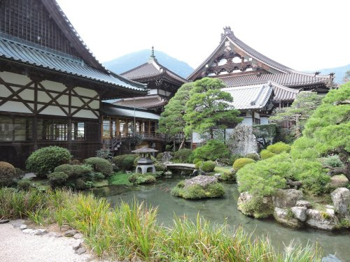 6久遠寺庭園
