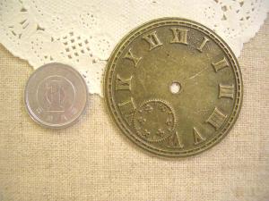 大きな時計盤(アラビア数字)