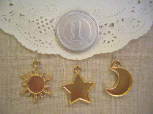 ミール皿:小さな太陽、星、月