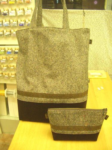 2016 12 ツイードの大きな巾着バッグとポーチ