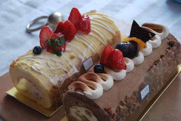 人用ロールケーキ