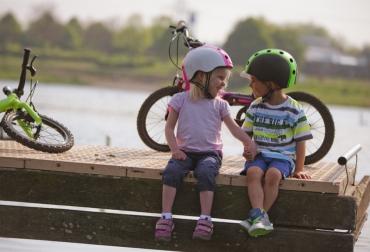 melon_helmets_kids_in_loveproty.jpg