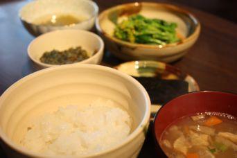 蕗の葉味噌と菜の花のからし酢醤油ごはん
