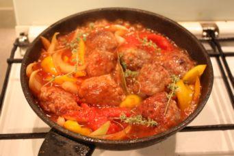 鴨ミートボールのトマト煮