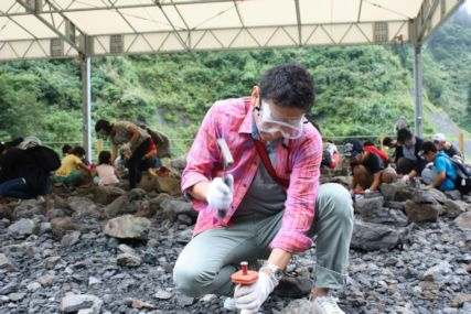 2016sep19野外恐竜博物館化石発掘体験