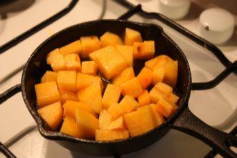 スキレット柿チーズ