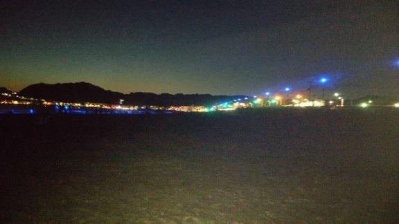 由比ガ浜の青い波2