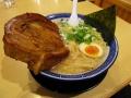マンモスチャーシュー豚骨醬油麺_くさび
