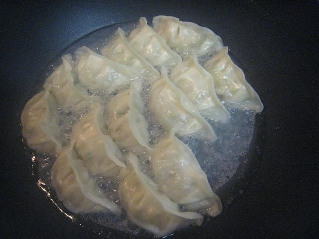 クロワッサン餃子