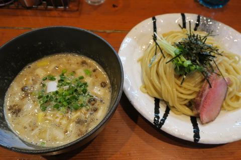 ほん田(濃厚豚骨魚介つけ麺)