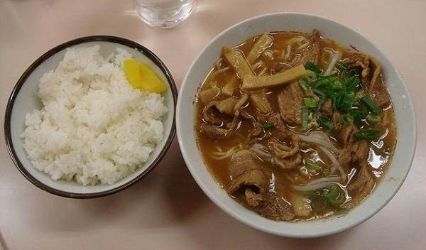 640px-Tokushima_ramen.jpg