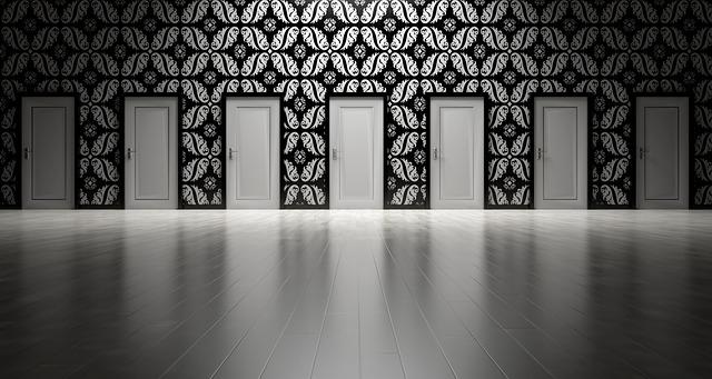 doors-1767559_640.jpg