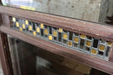 窓枠のガラス