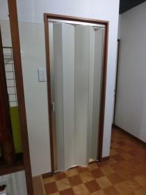 2Fトイレ扉施工後