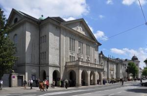 Salzburg_Mozarteum_außen_01