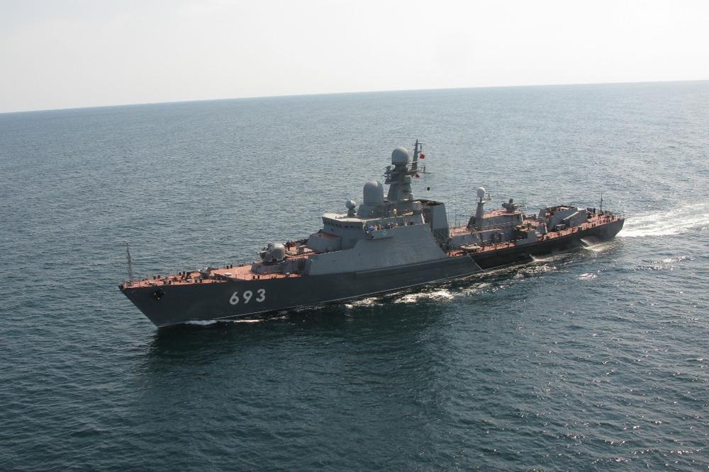 ロシア海軍カスピ小艦隊旗艦・警...