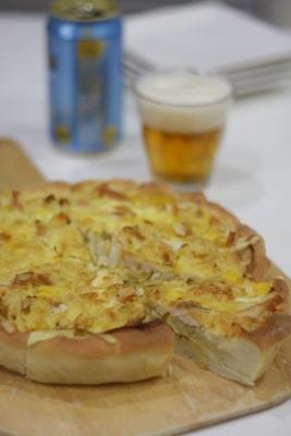 新玉ねぎのピザ生地キッシュ